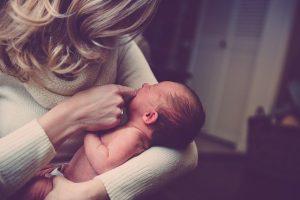 Vanaf wanneer kun je een baby in een draagzak dragen?