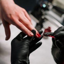Volg de opleiding nagelstyliste van La Queens en open je eigen nagelsalon