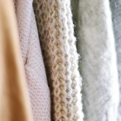 Droog je kleding duurzaam met een droogkast van AEG
