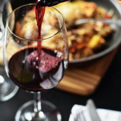 Wat is een lekkere wijn om in de tuin te drinken?
